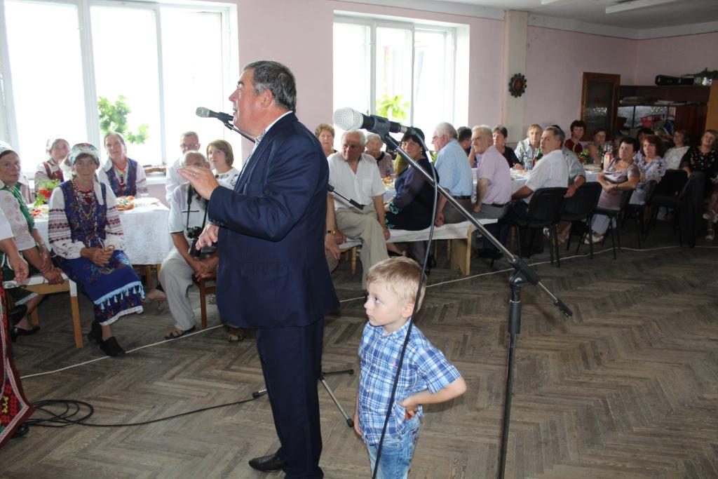 На Рожнятівщині влаштували свято для людей похилого віку